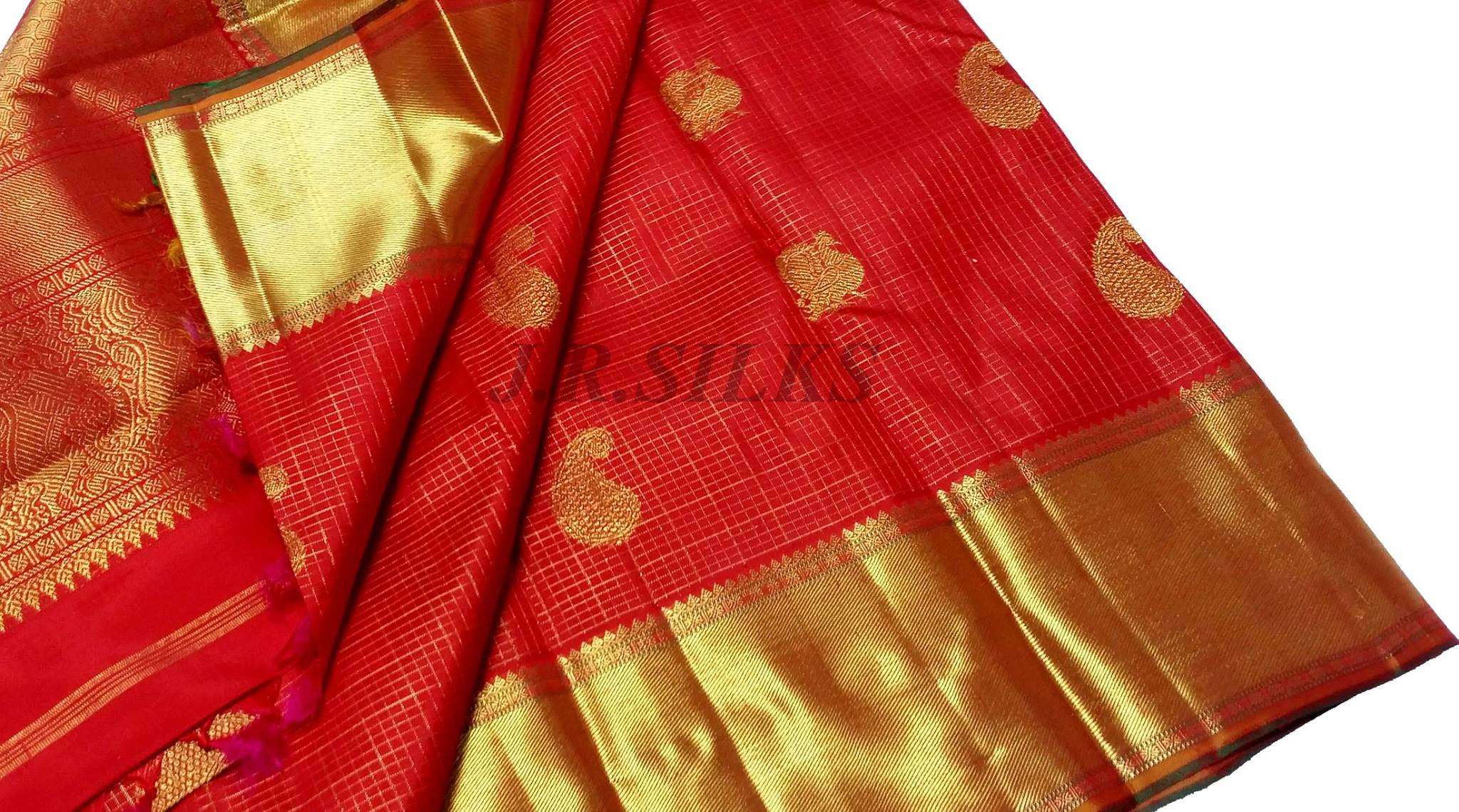 red kanjivaram saree